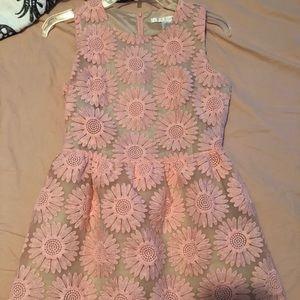 Dresses & Skirts - Beautiful pink flowery dress, Size Small